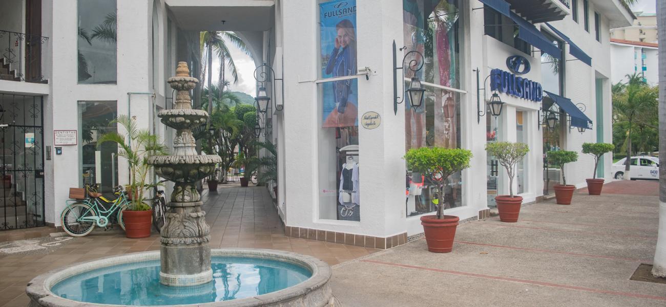 Ixtapa Shopping Zihuatanejo